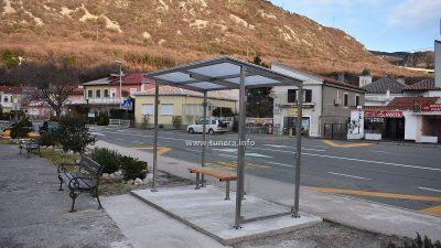 U OKU KAMERE Čekaonica za bus u Bakarcu