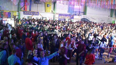 FOTO/VIDEO Prva maškarana zabava u Crikvenici: Grdović ispunio dvoranu