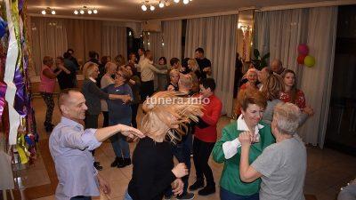FOTO/VIDEO Bašan podučavao plesu 20 parova