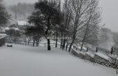 VIDEO Deset centimetara snijega, cesta prema Stalku prohodna @ Breze