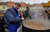 Crikvenički obrtnici u srcu Slavonije ponudili tunu, srdele,  inćune i mrkače