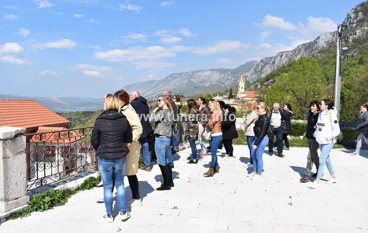 FOTO Turistički djelatnici obišli crikveničko-vinodolsku rivijeru, atrakcije treba znati predstaviti turistima