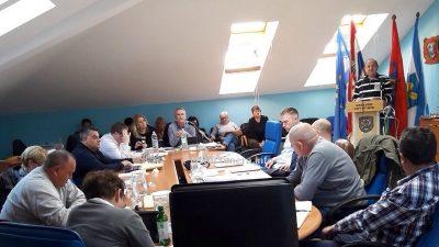 Vijećnik prozvao gradonačelnika: Službeniku smanjujete plaću jer je njegova supruga podržala Milinovića