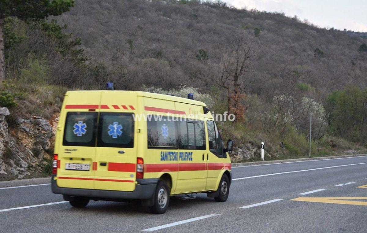 Nesreću kod Dramlja izazvao 22-godišnji vozač BMW-a bez dozvole