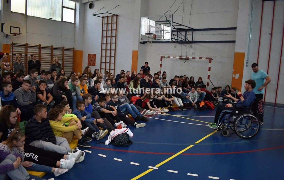 Predstava koja senzibilizira učenike prema invalidima
