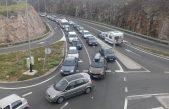 Stiže sezona: Kolone na prilazu Krčkom mostu