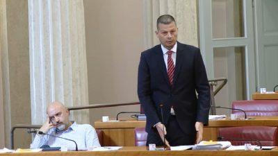 VIDEO Zastupnik Đujić ponovno u Saboru o migrantima u zaleđu Vinodola