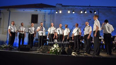 VIDEO U Kraljevici pjevala klapa Sveti Juraj i publika