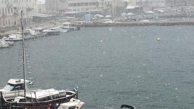 Snijeg zabijelio Hrvatsko primorje, idilično u Senju