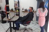 Kod frizerki jedina promjena: red pred salonom, a ne u salonu