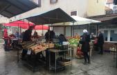 Senjska tržnica puna, usprkos kiši i jugu